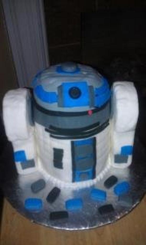 R2D2 Groom's Cake by Sherri