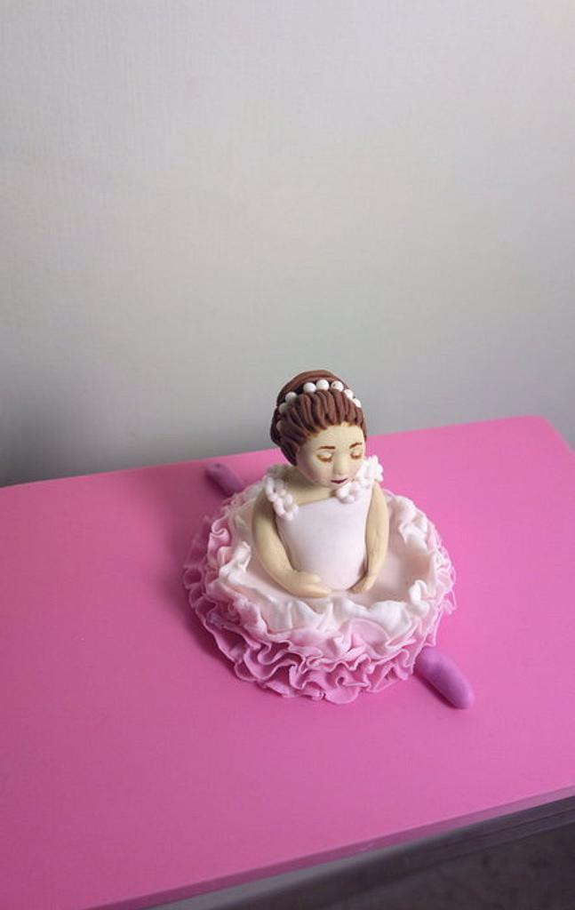Ballerina cake topper. by Sugar&Spice by NA