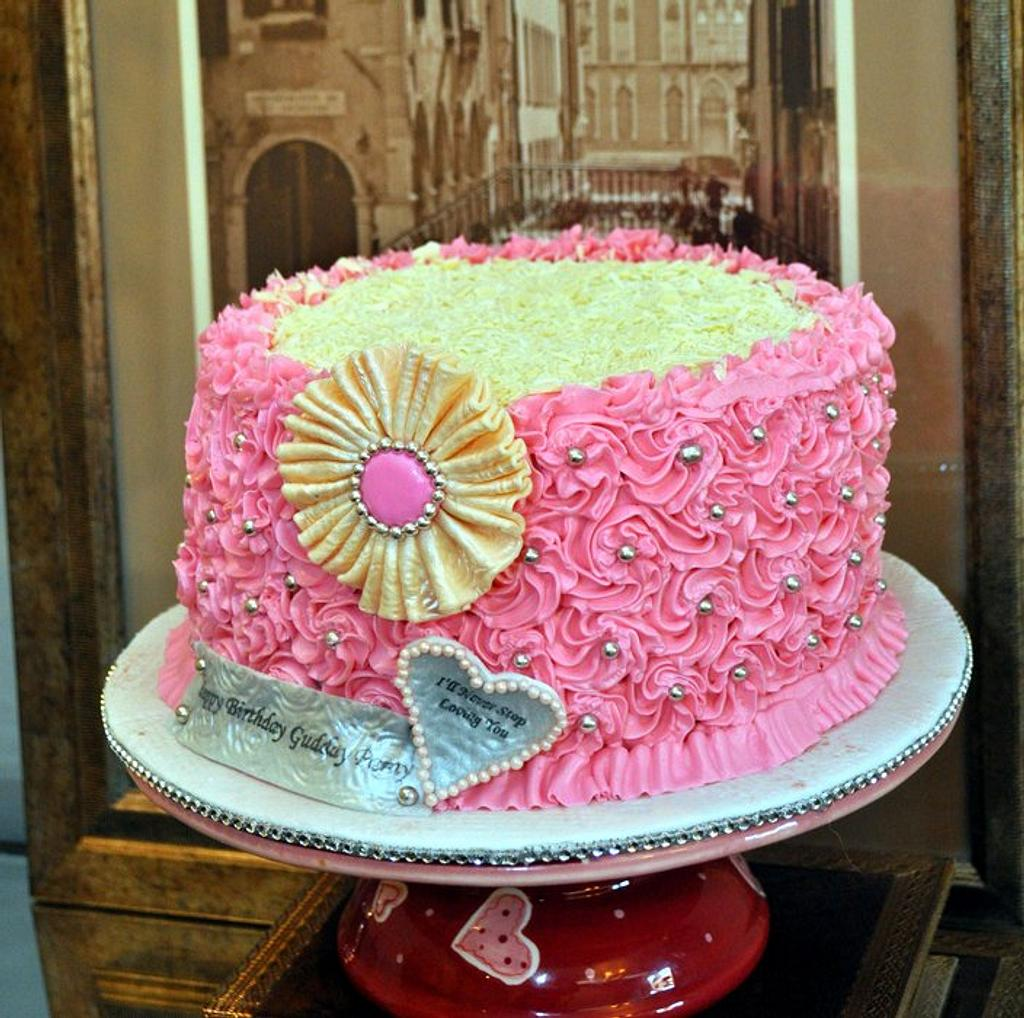 Girly Girly Cake by Reem