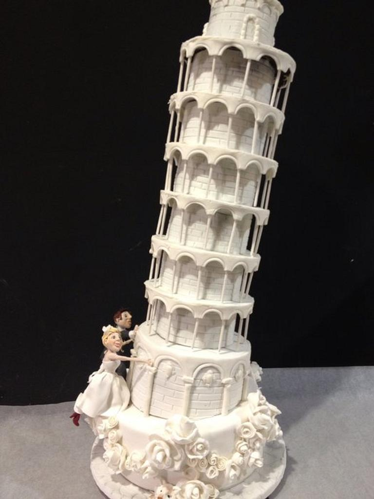 Leaning tower of Piza by Louisa Massignani
