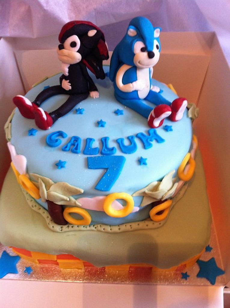 Sonic and Shadow Cake by nataliehix