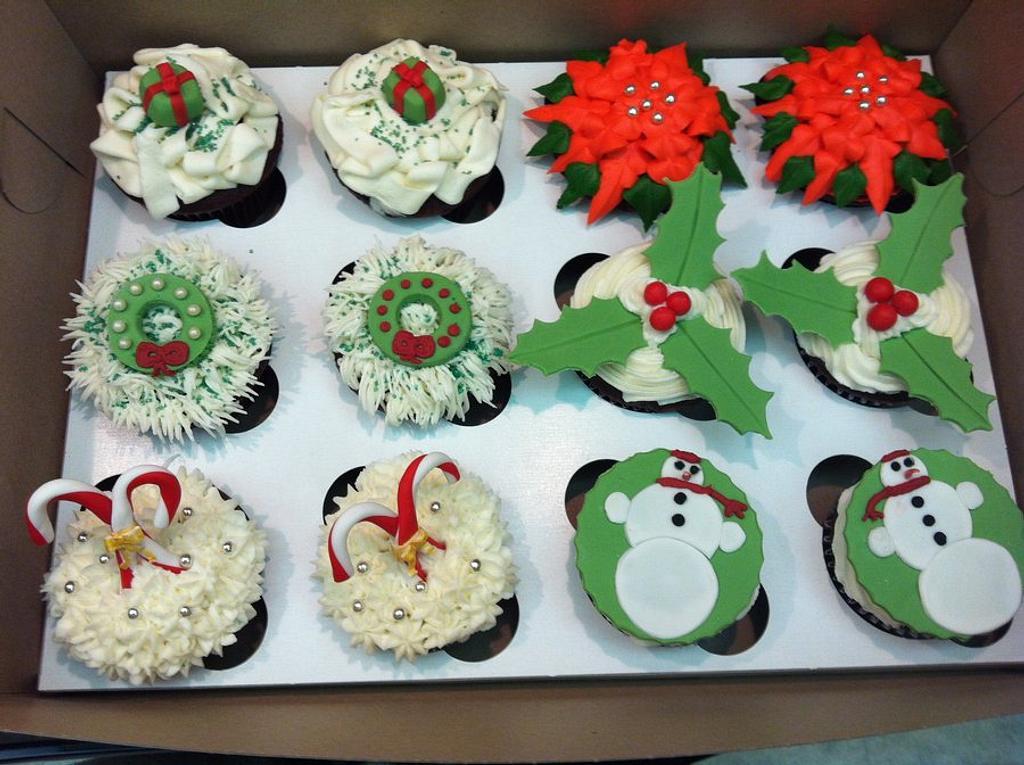 Christmas cupcakes by Cherlynn Michelizzi