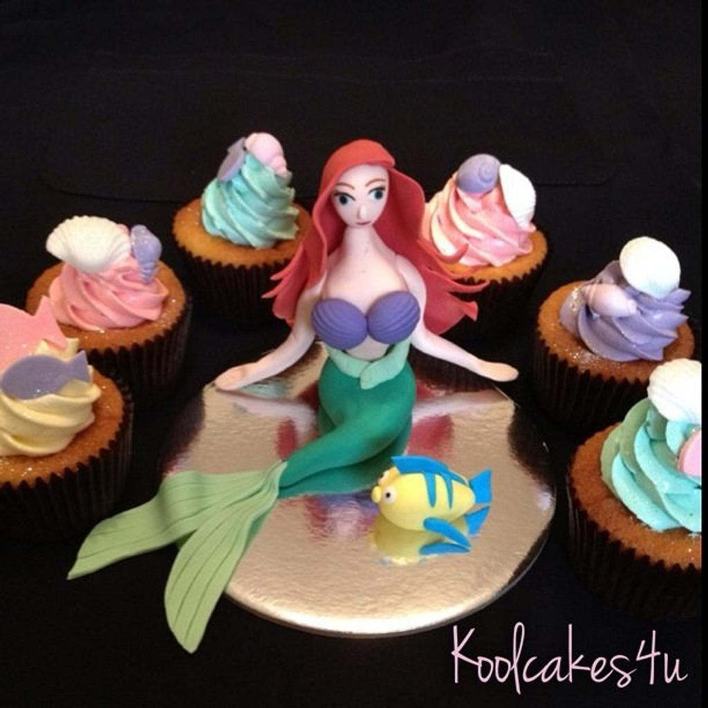 Mermaid & seashell cupcake by Jen C