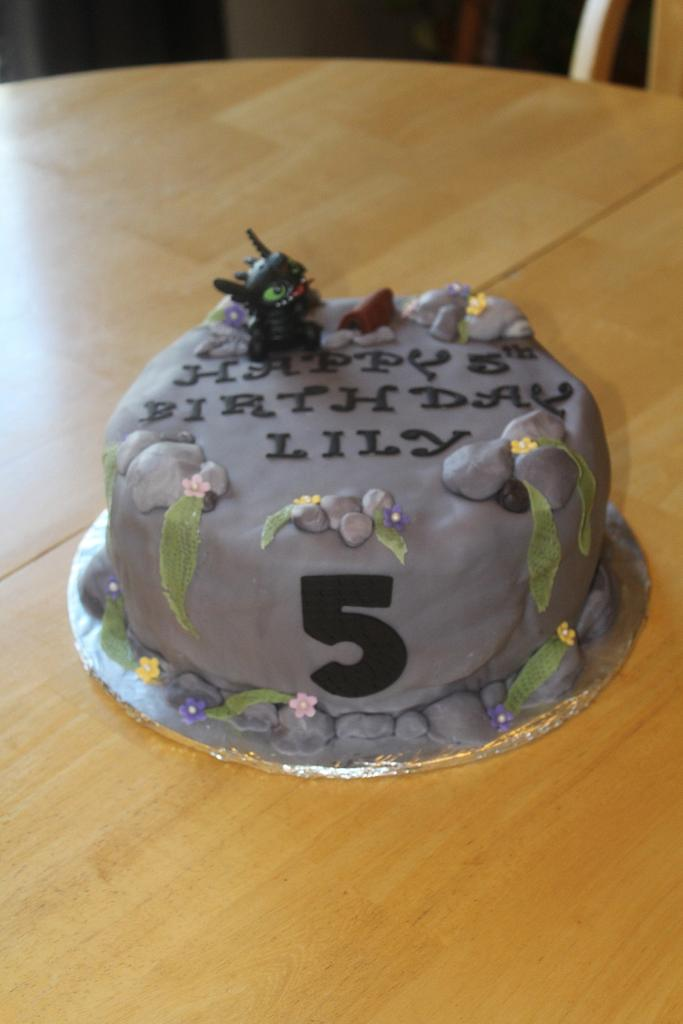 How to Train your Dragon Cliff Cake by Michelle