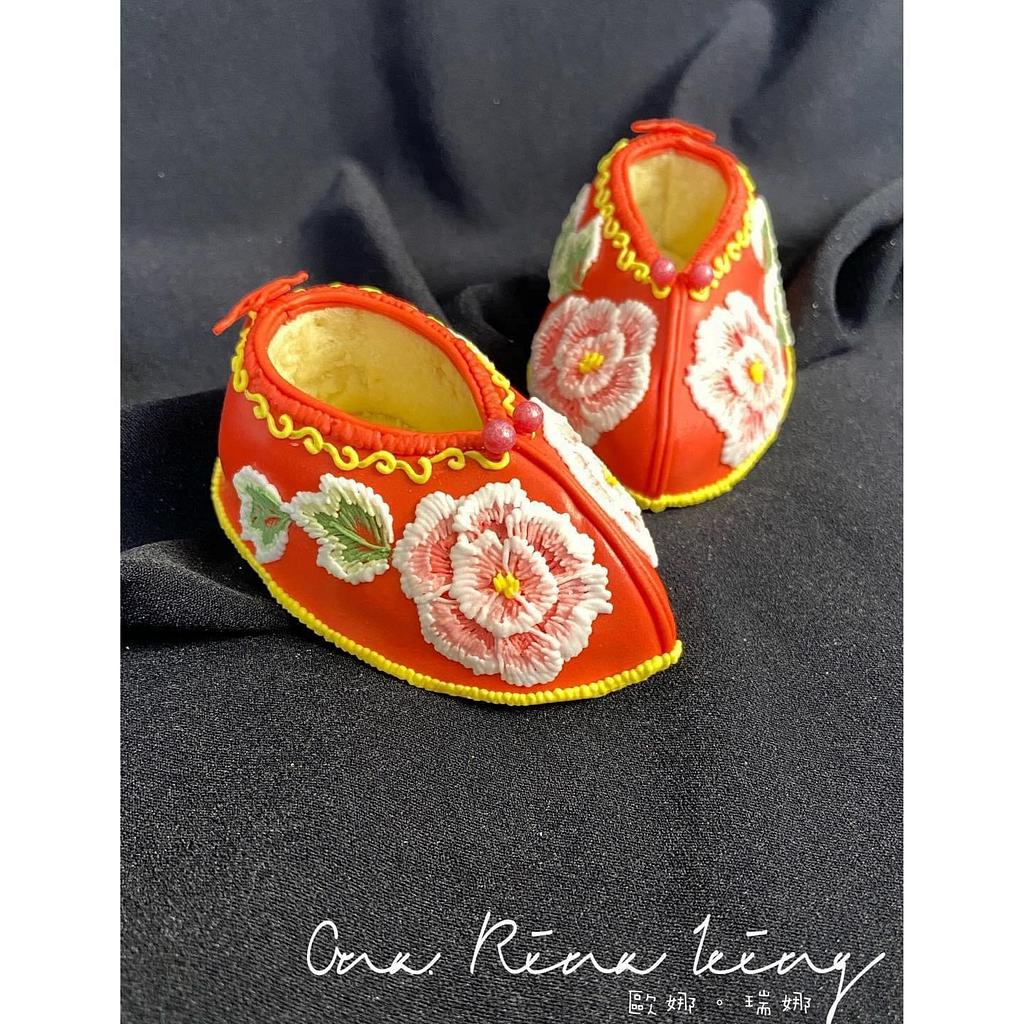 3d royalicing cookie shoes-Jin Lian by Vicky Chang