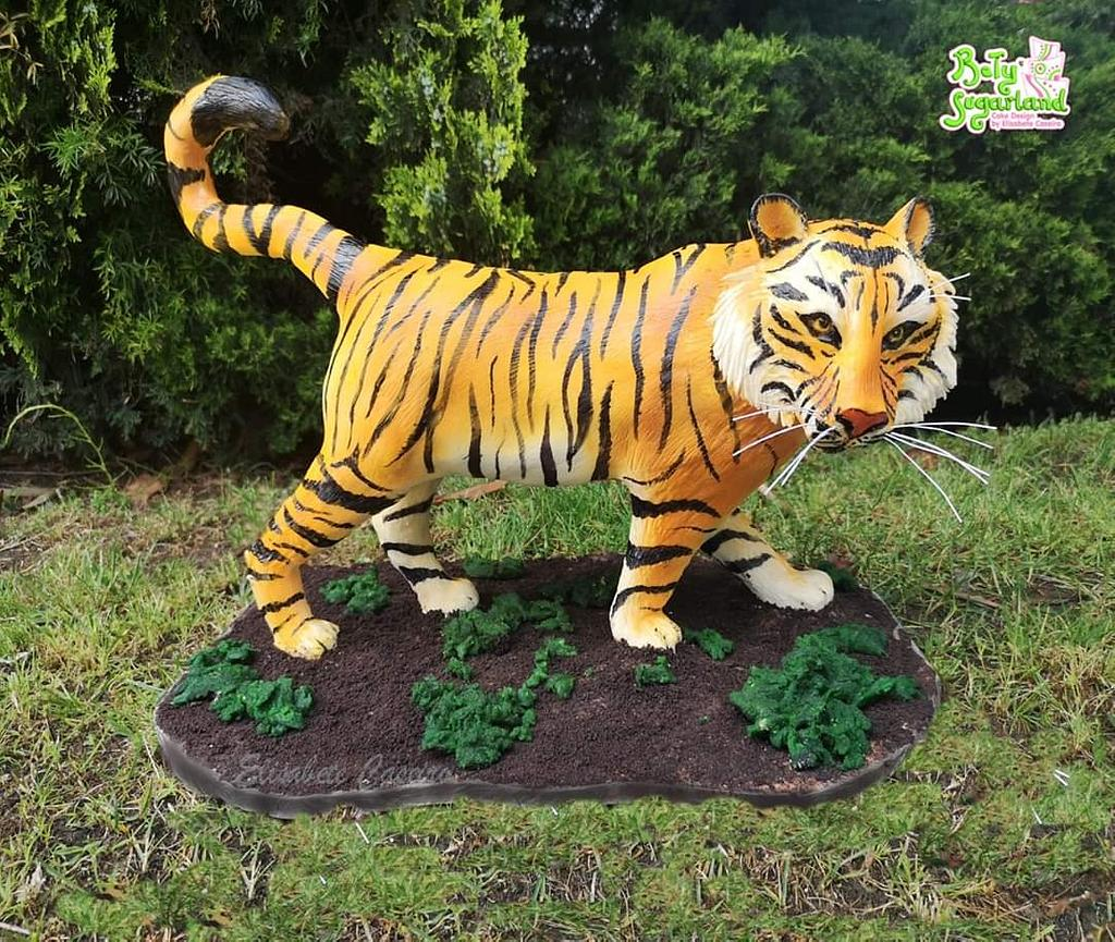3D Tiger sculpted cake by Bety'Sugarland by Elisabete Caseiro