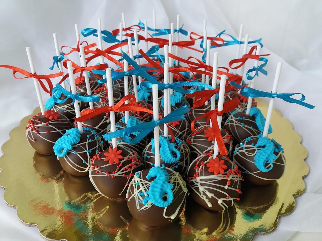 cake pops red&blue  by Nadi Ivanova