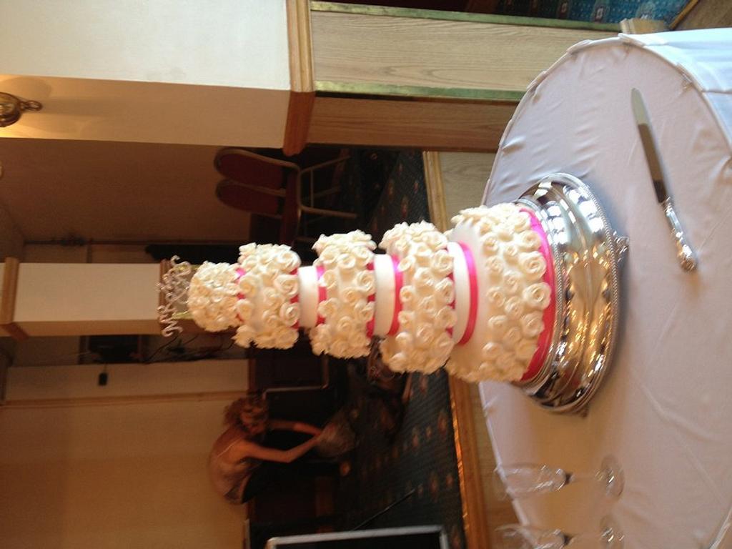 Rose abundance by Bubba's cakes