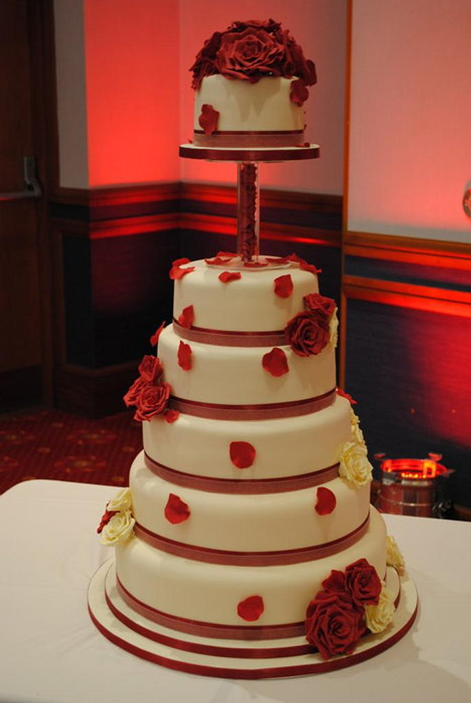 Red Rose Wedding Cake by Donna