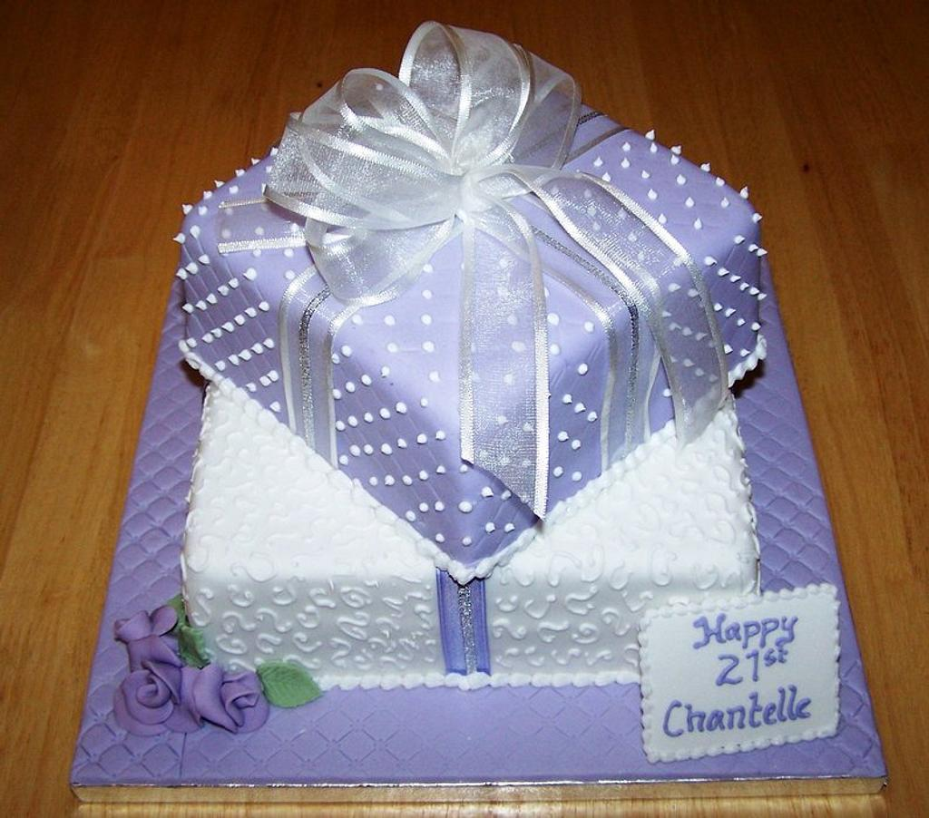 Lilac gift box by Sandra's cakes