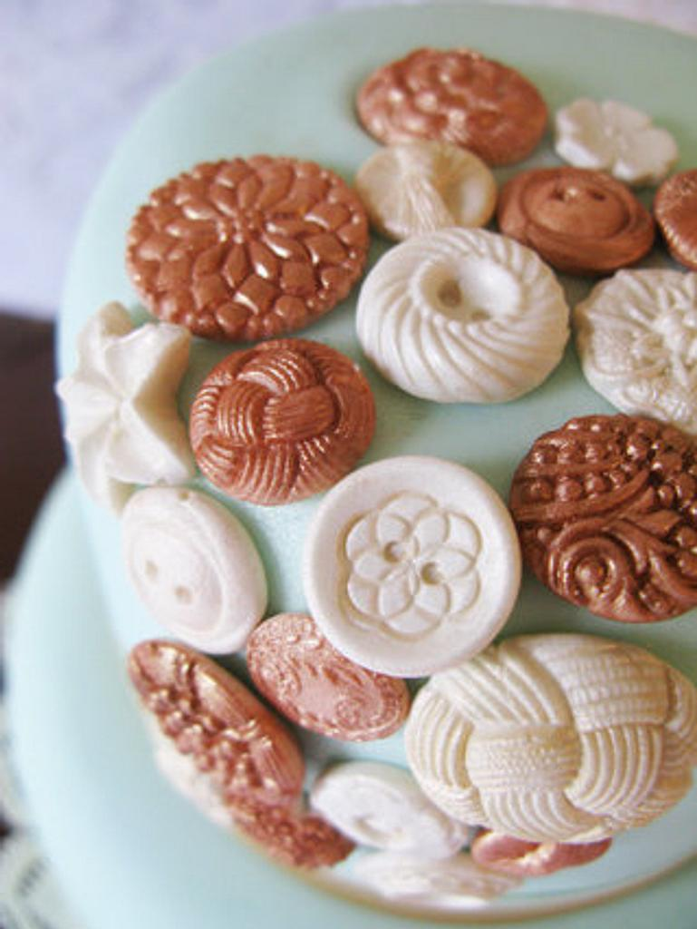 Vintage Buttons & Lace  by Sugar&Lace Cake Company