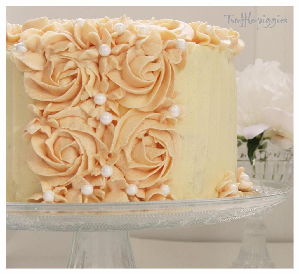 buttercream Rose by Patricia Tsang