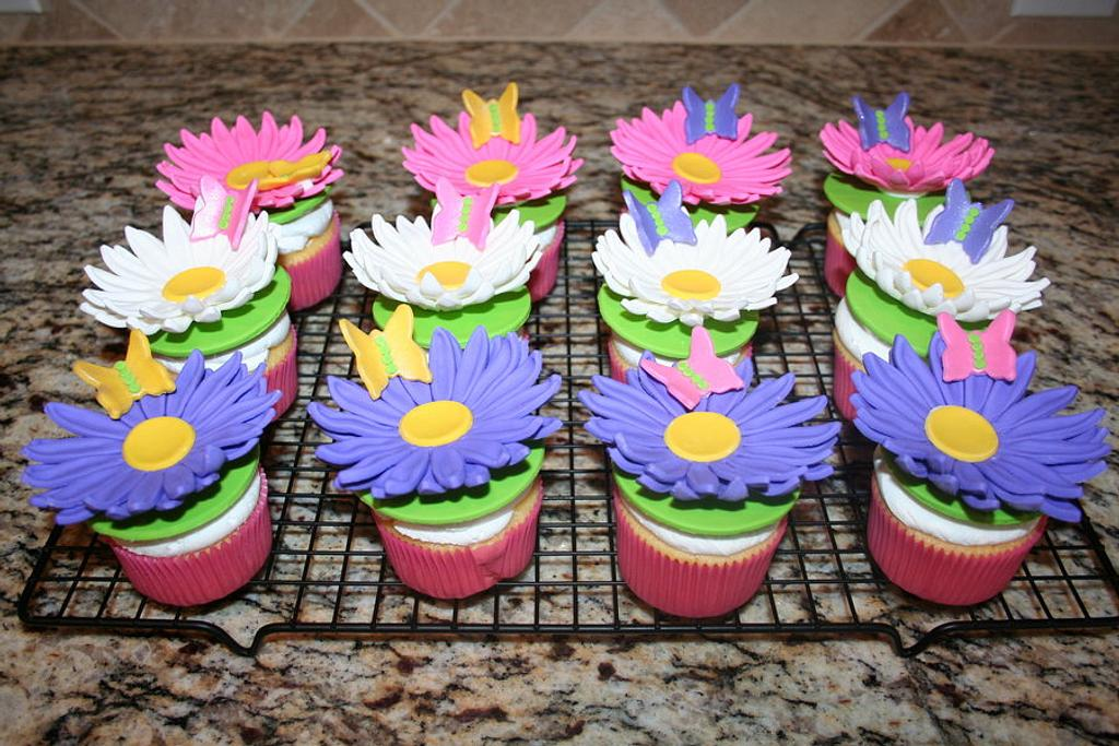 Daisy & butterfly cupcakes by Cathy Moilan
