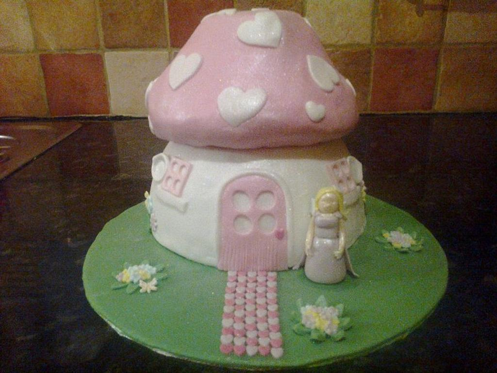 Fairy Toadstool by nannyscakes