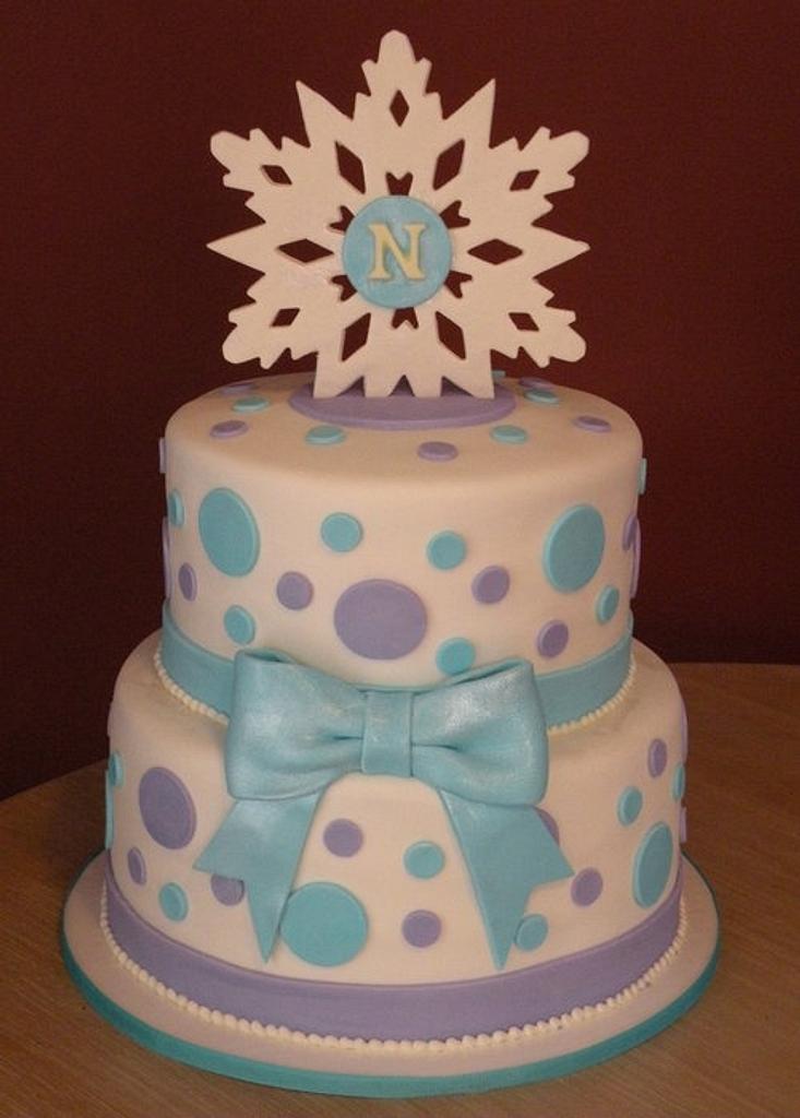 Winter-themed bat mitzvah cake by Dani Johnson