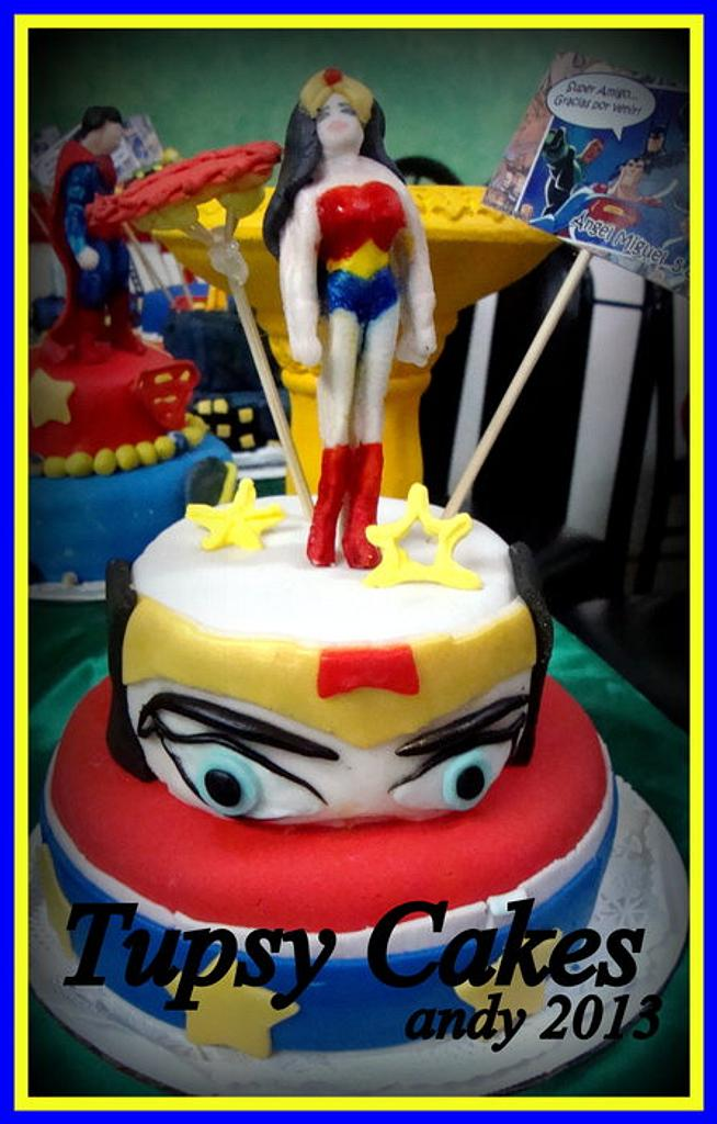 wonder woman by tupsy cakes