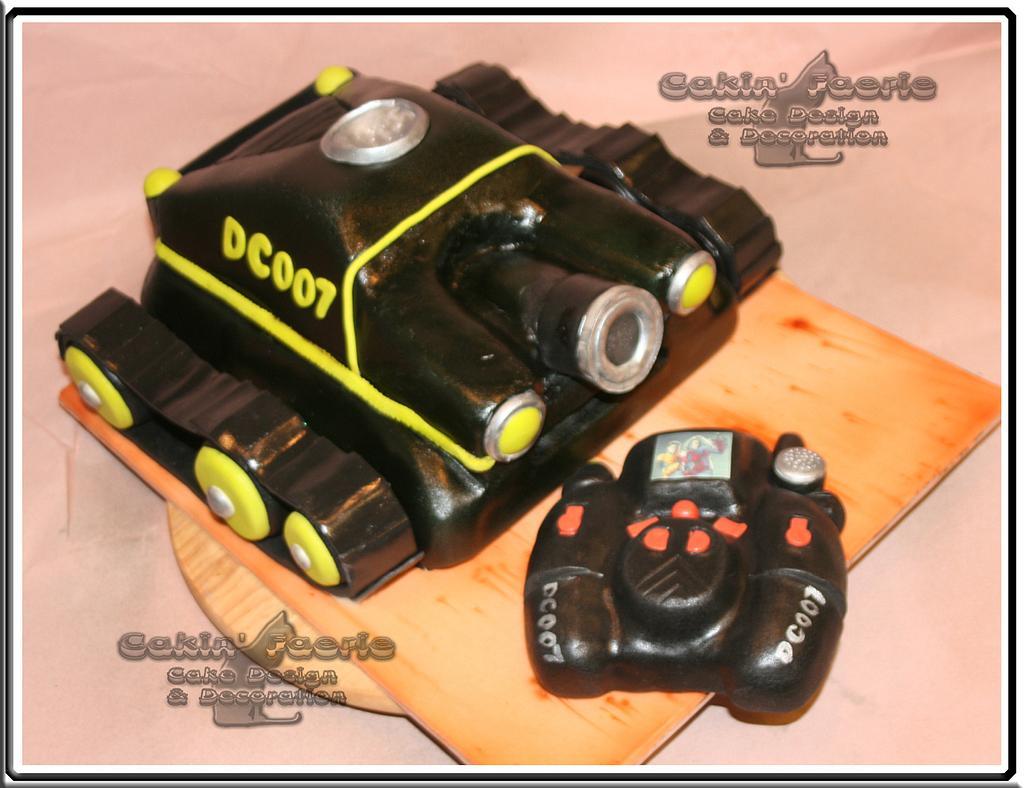 Remote control Spy-Cam by Suzanne Readman - Cakin' Faerie