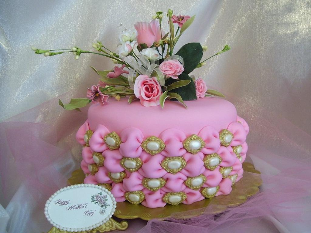 Tufted Billow Weave Mother's Day Cake by Linda Wolff