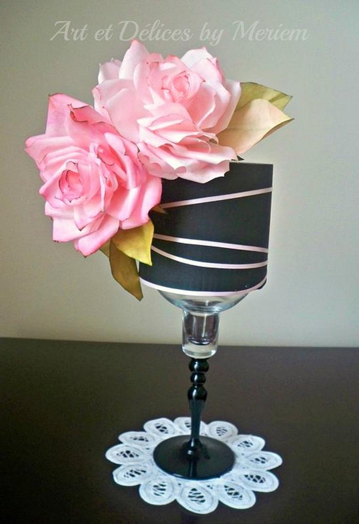 Black and pink roses cake by artetdelicesbym