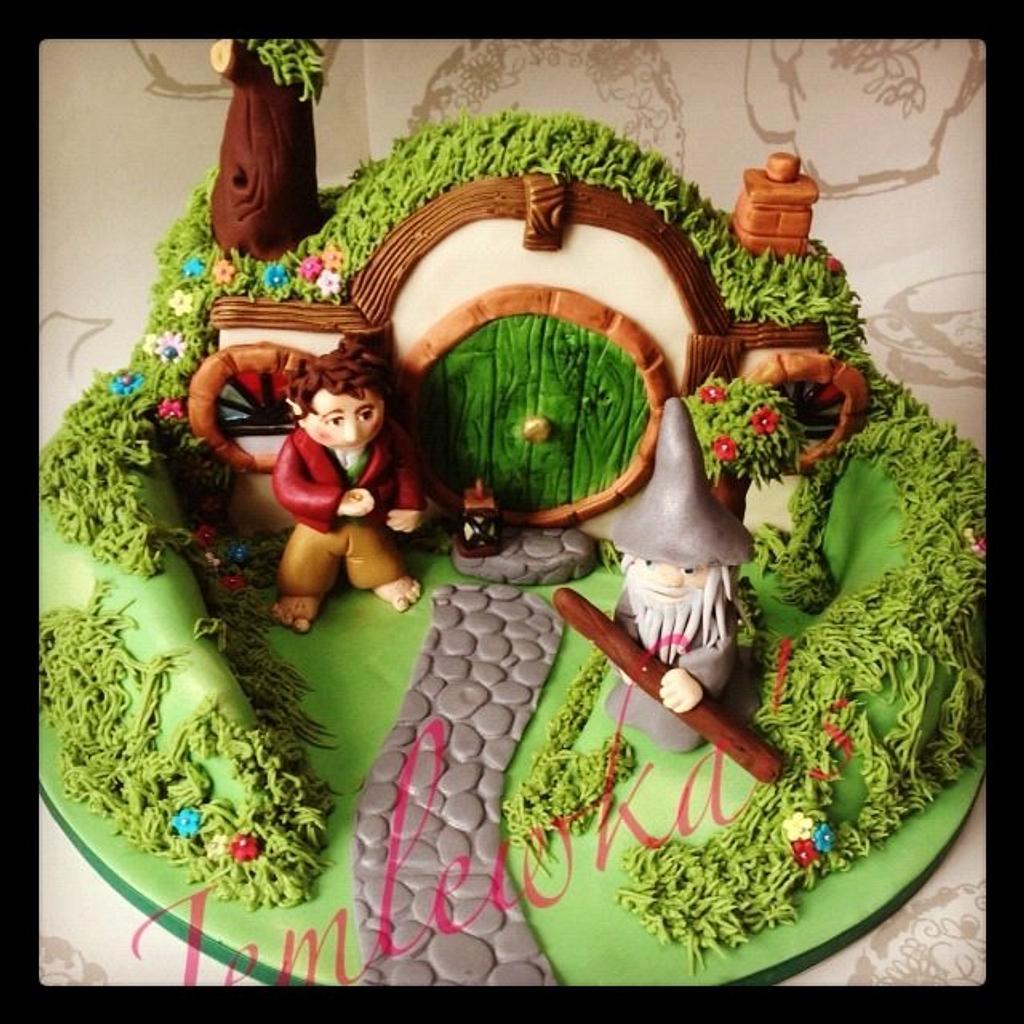 The Hobbits house cake by Jemlewka's cupcakes