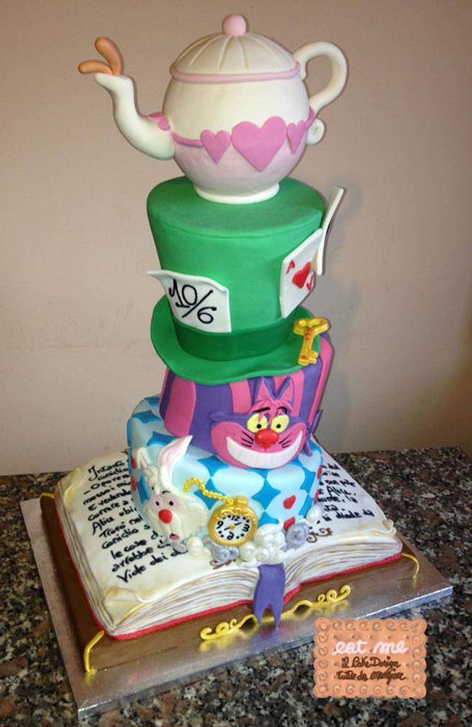 Alice in wonderland Cake by Moira