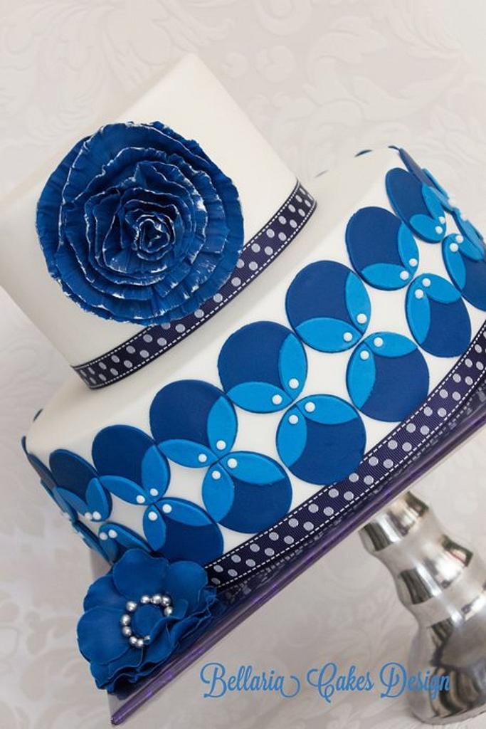 Blue wedding cake by Bellaria Cake Design