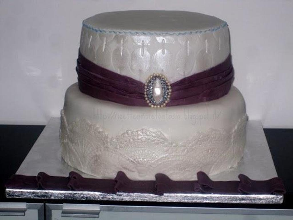 Elegant cake by Gabriella Luongo