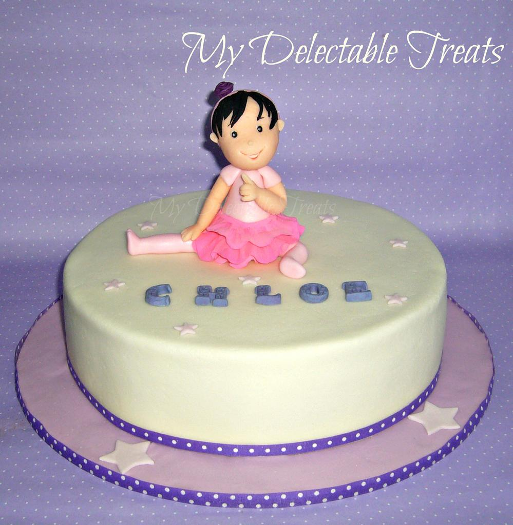 Chloe's first Birthday cake by Donna Dolendo
