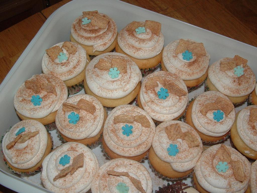 Cinnamon Toast Crunch Cupcake by Jennifer C.