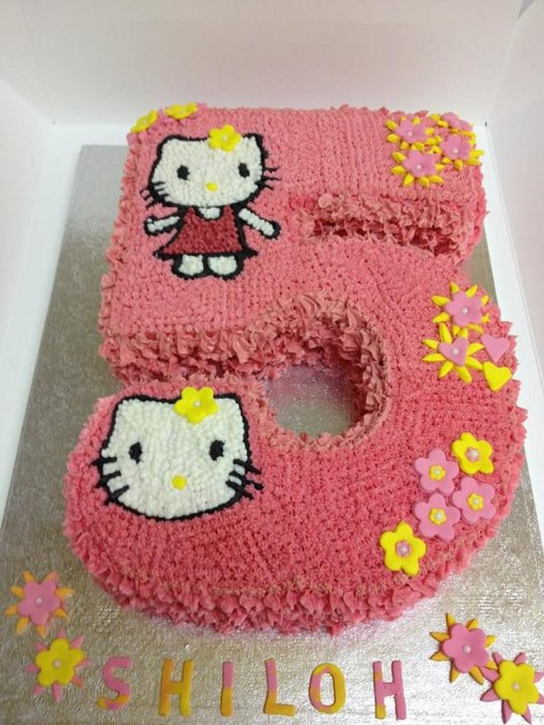 hello kitty # 5 by Que's Cakes