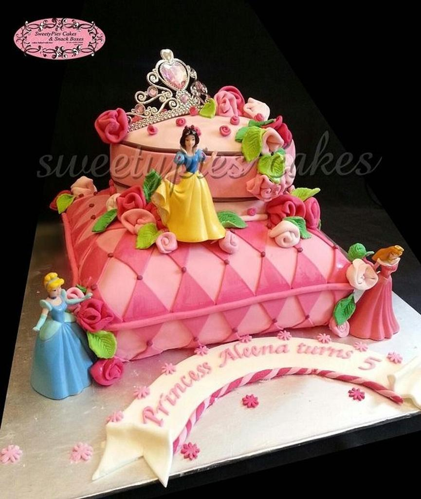 Princess cake by Sweetypiescake