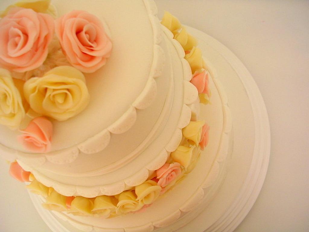 Wedding Cake by María José Bastianello