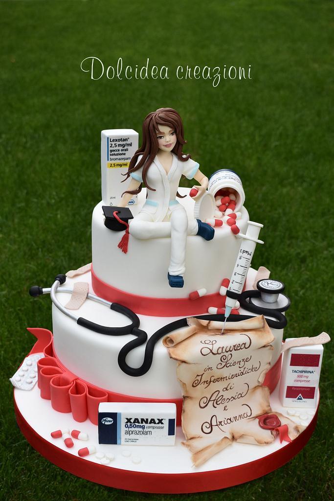 Nurse graduation cake by Dolcidea creazioni