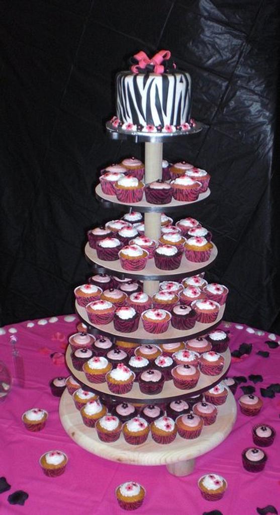 zebra wedding by Laciescakes