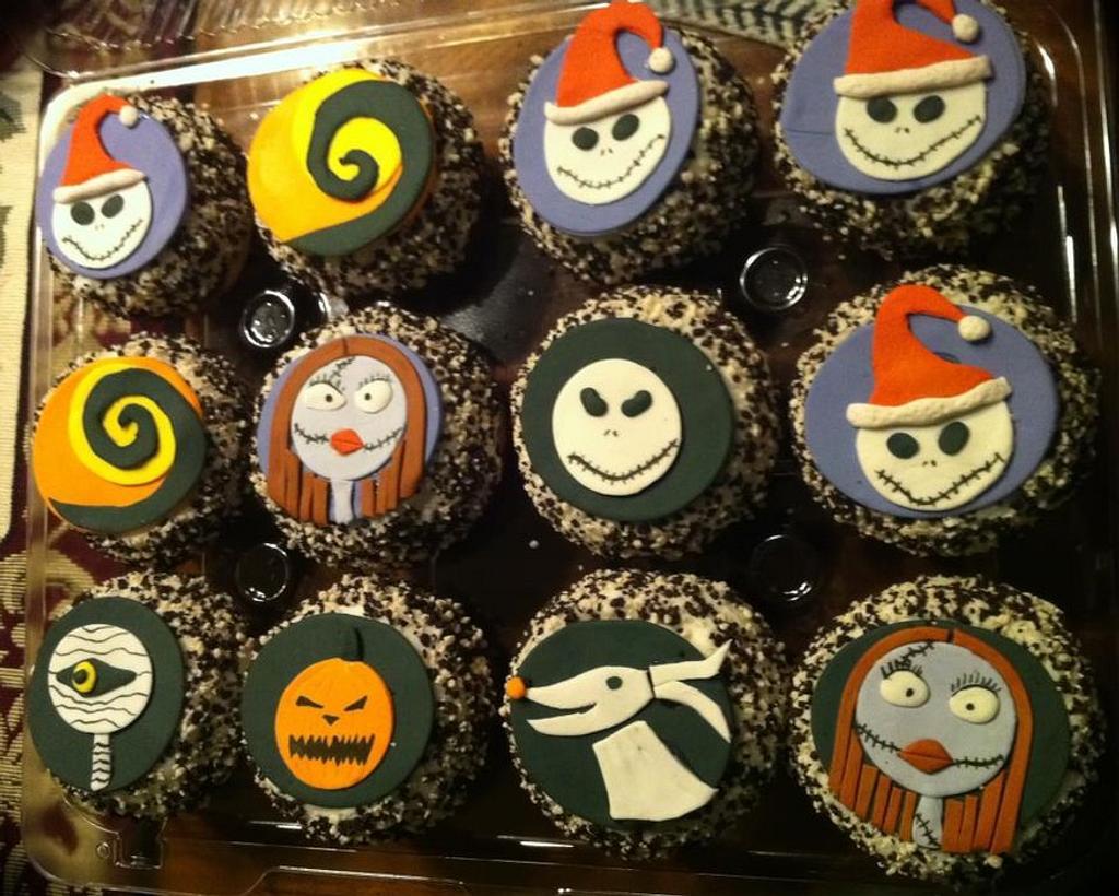 nightmare before christmas cupcakes by Megan Cazarez