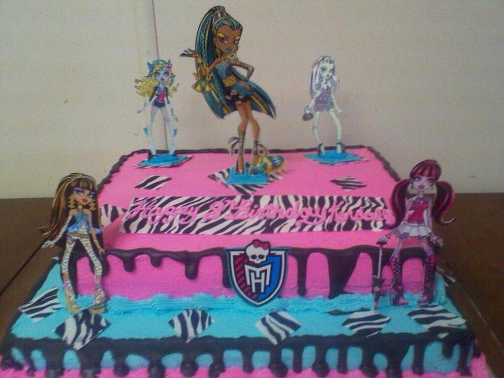 monster high cake by CC's Creative Cakes and more...