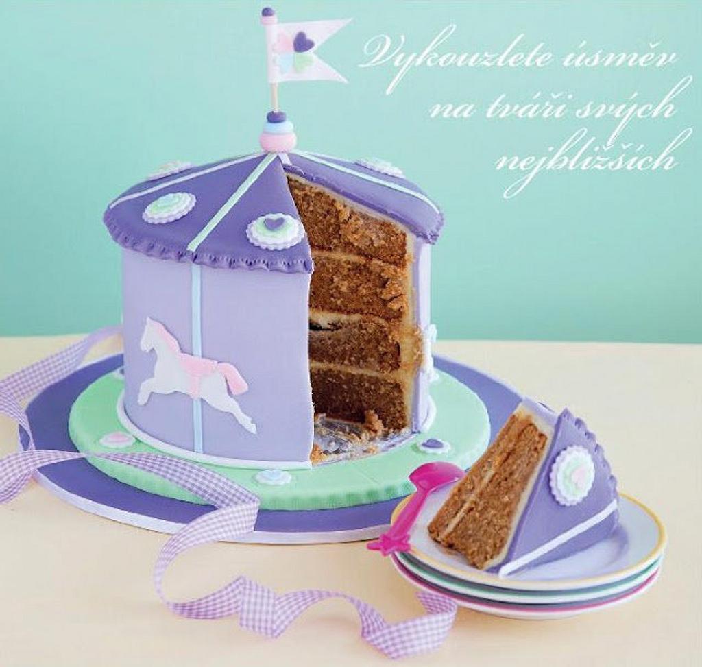 Caramel mudcake caroussel cake by Hana Rawlings