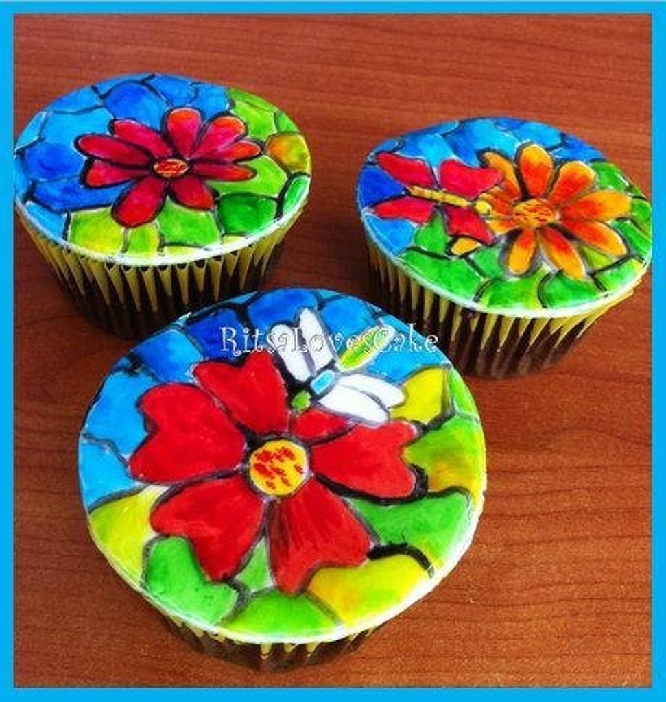 Flower Cupcakes by Ritsa Demetriadou