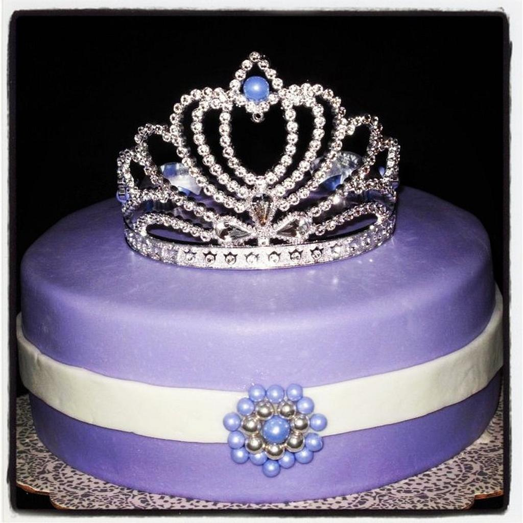 """Queen Cake"" by Jolirose Cake Shop"