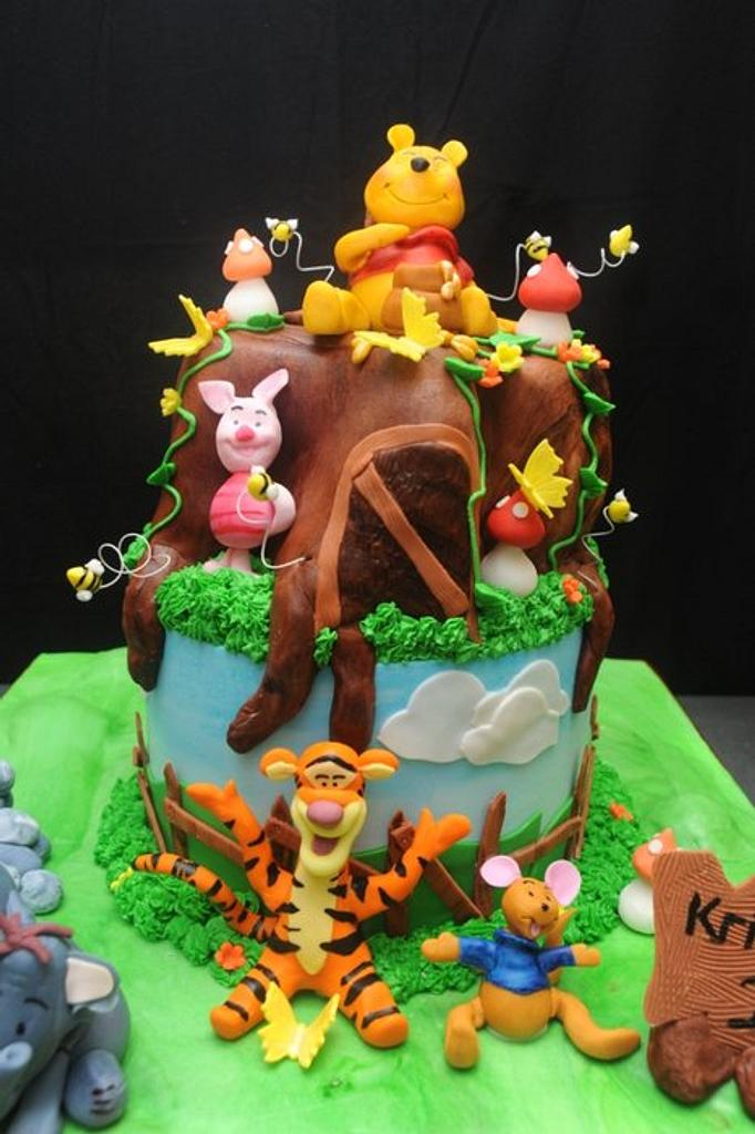 """Pooh Cake...The Customer Was Unhappy ;0( """"Not enough detail"""". by Sugarpixy"""
