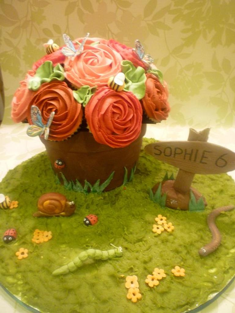 Flower pot cupcakes by The Faith, Hope and Charity Bakery