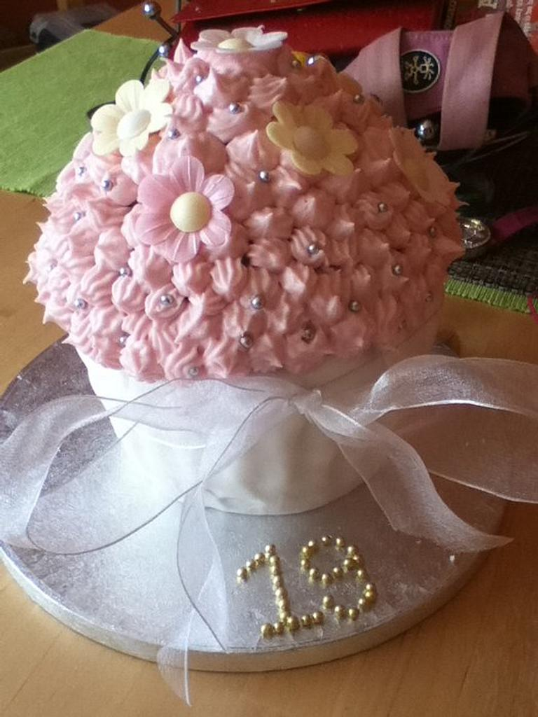 Daughters 19th Giant cupcake by Lesley