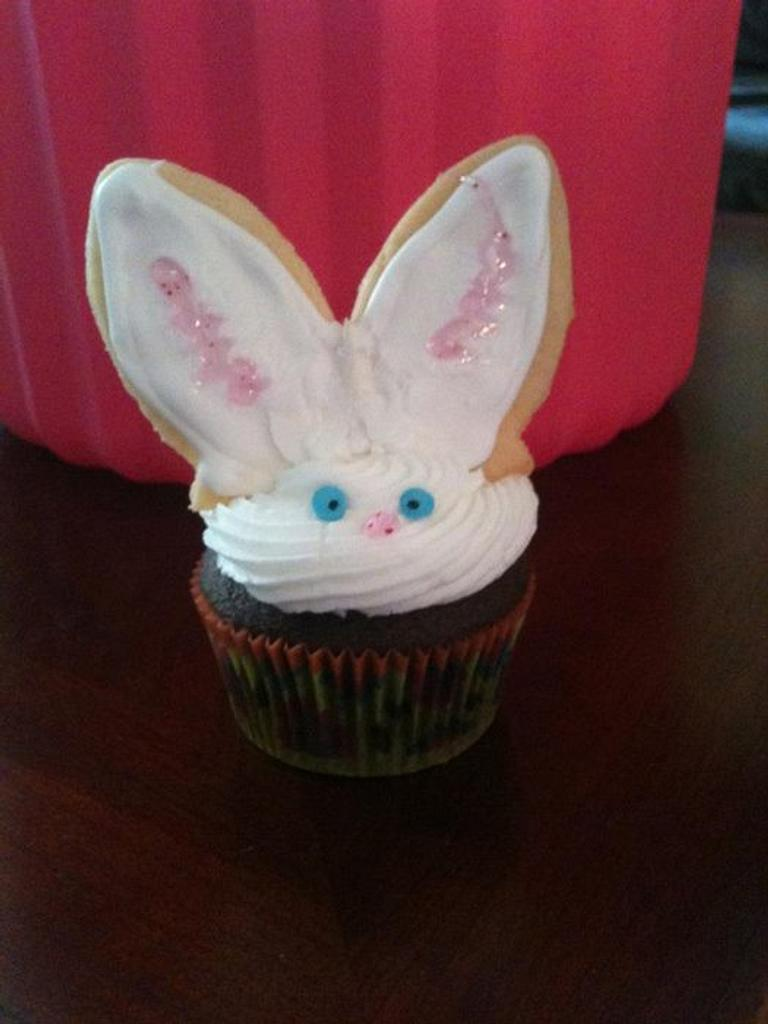 Easter cupcakes  by michelle