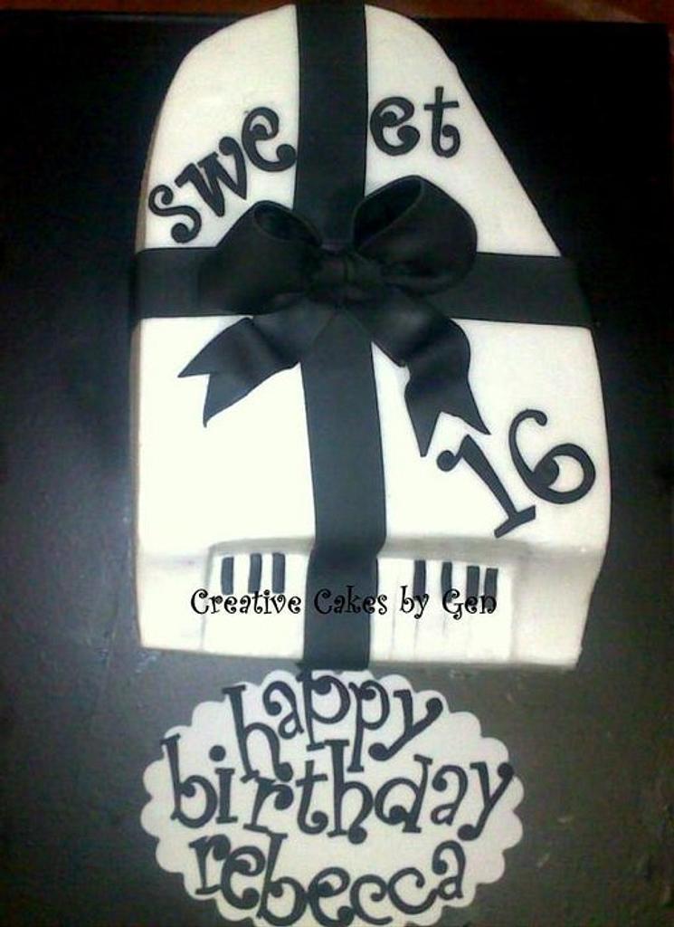 Grand Piano Cake by Gen