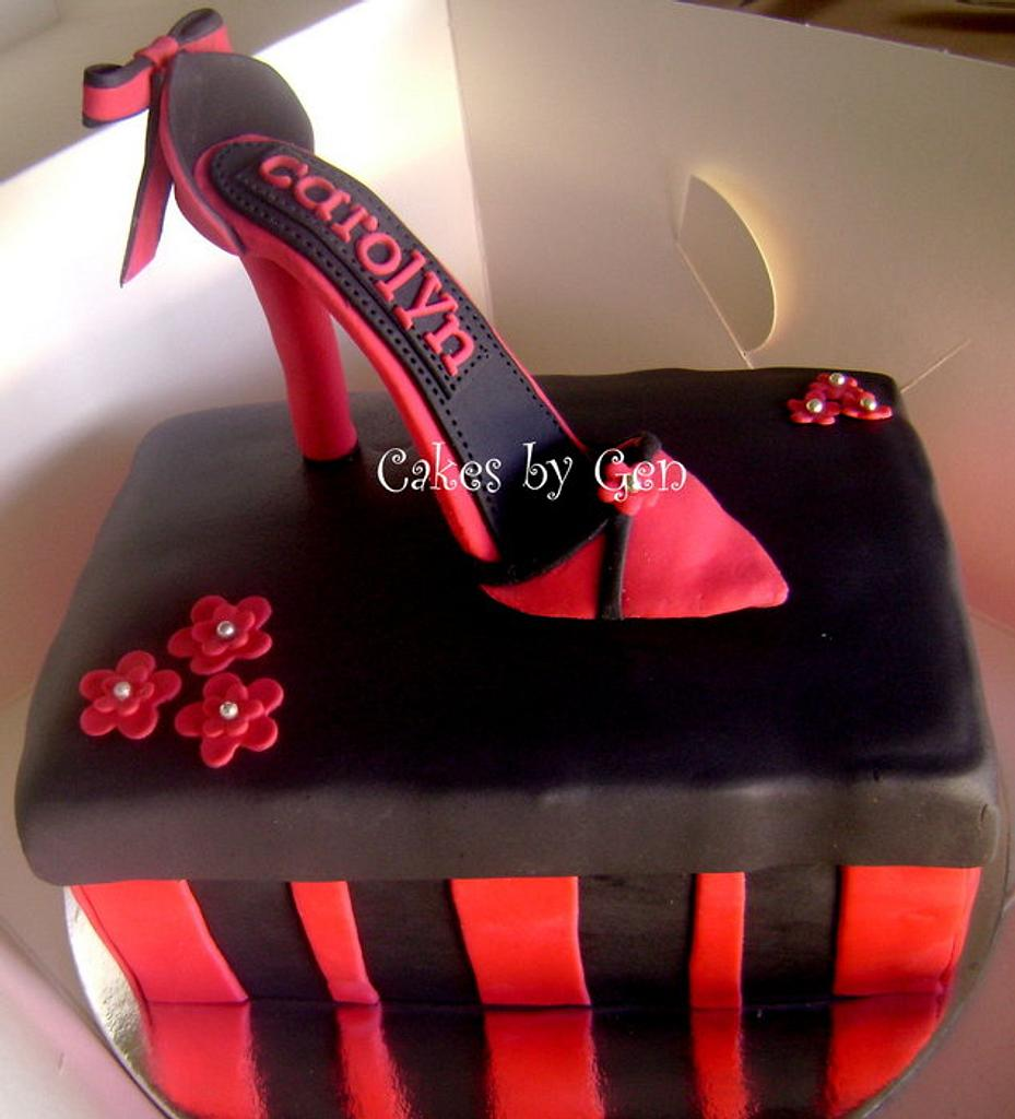Mini Sugarpaste High heels & Shoebox cake by Gen