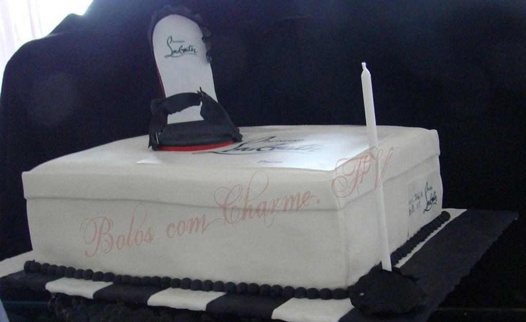 stiletto and shoe box by canela