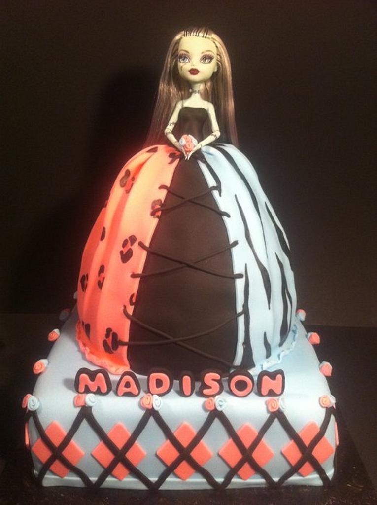 Monster High Doll Cake by Nikki Belleperche