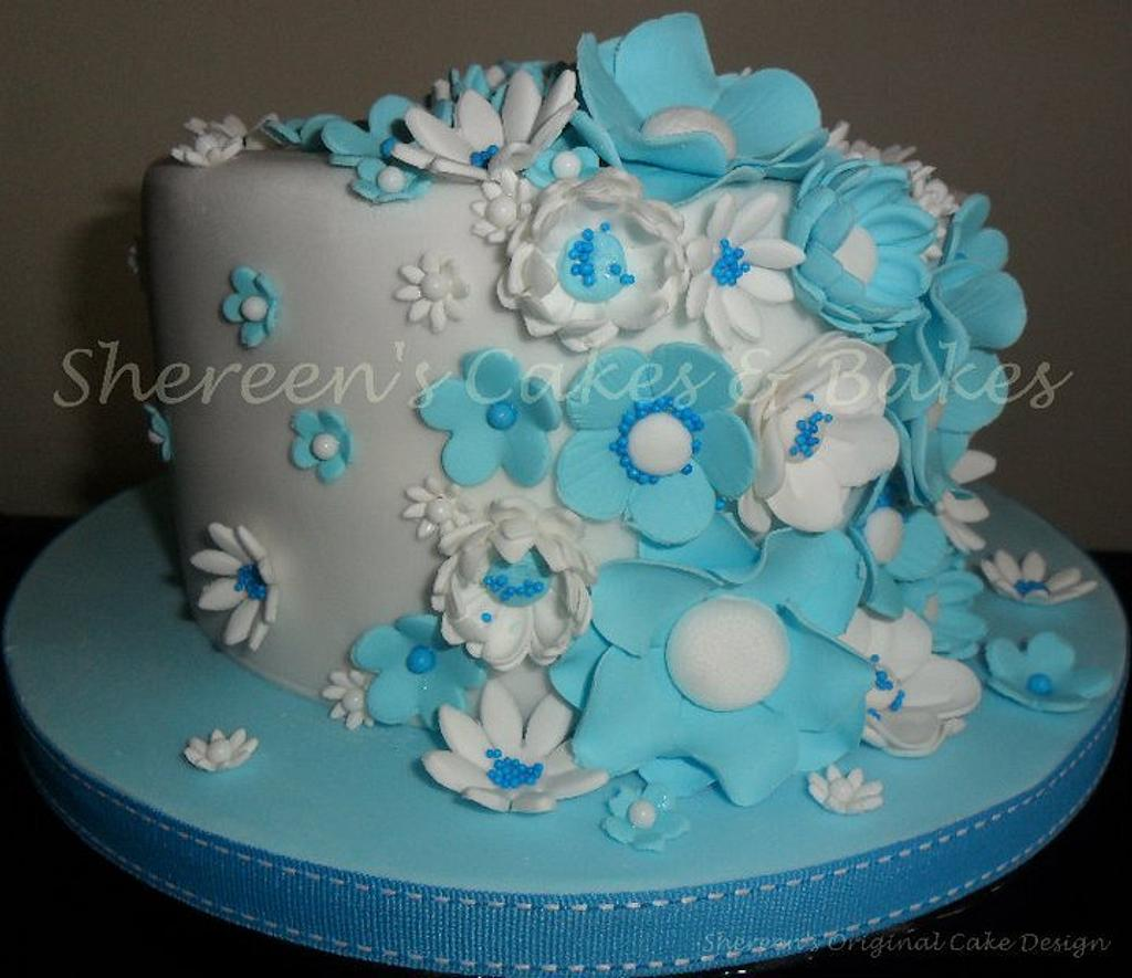Turquoise & White by Shereen