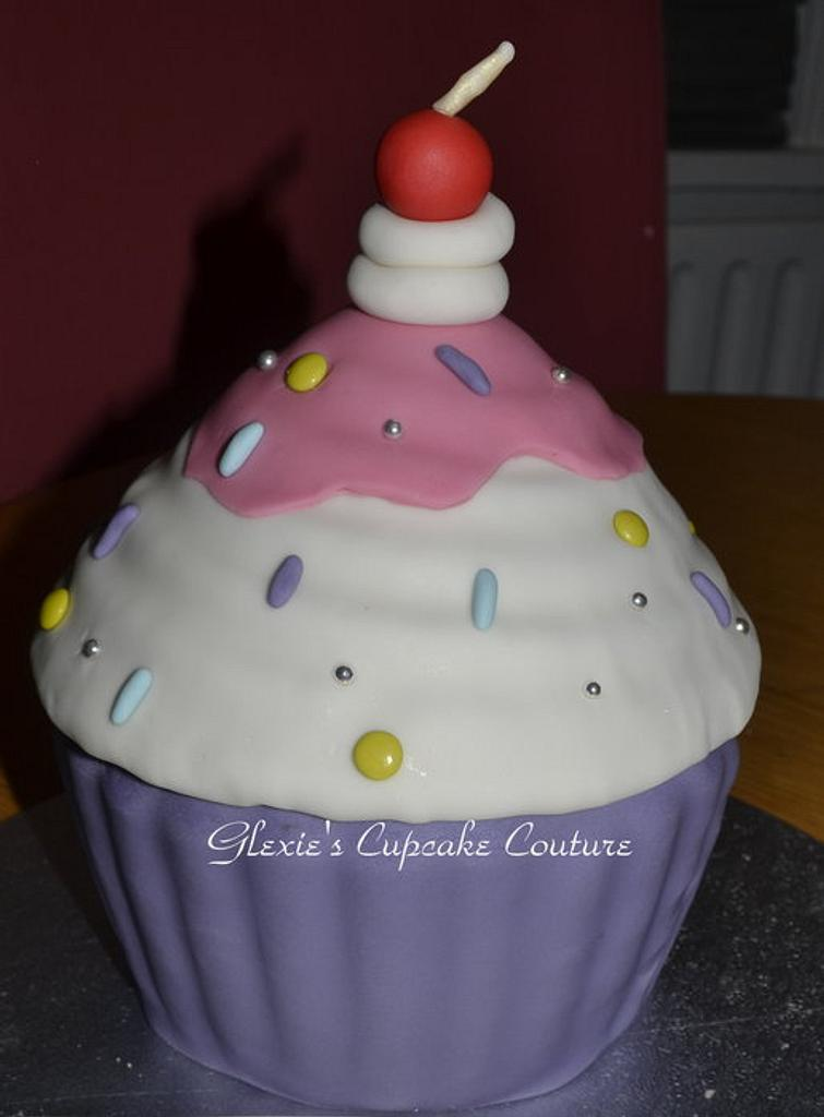 giant cupcake by glenda