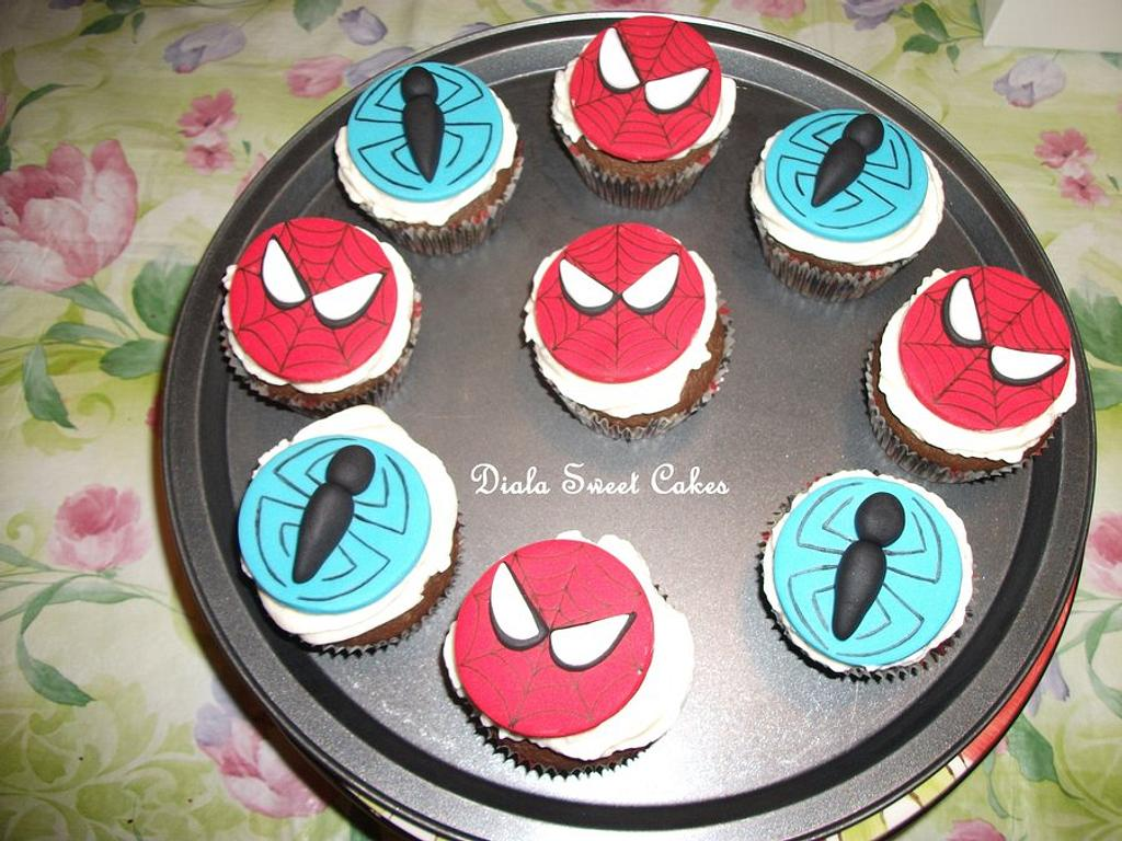 spiderman cupcakes by DialaSweetCakes